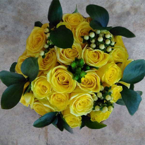 Yellow flame roses bouquet mia florist 25 yellow roses top mightylinksfo