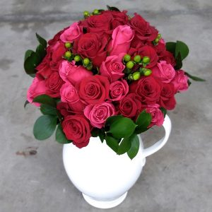 50 pink and red flowers front
